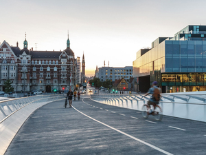 Kopenhag'a Yeni Bir Bisiklet Köprüsü