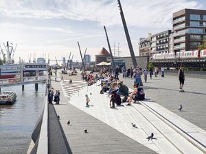 Zaha Hadid Architects Tasarımı Elbe Nehri Yaya Yolu Tamamlandı