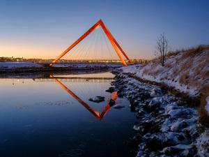 Kırmızı Piramit Köprüler