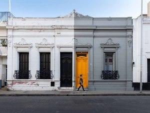 Sarı Kapılı Ev