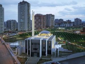Yaşamkent Camii