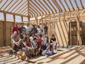 """""""Mimarlar Küresel Meselelere Bakıp, Nasıl Faydalı Olabileceklerini Sorgulamalılar"""""""